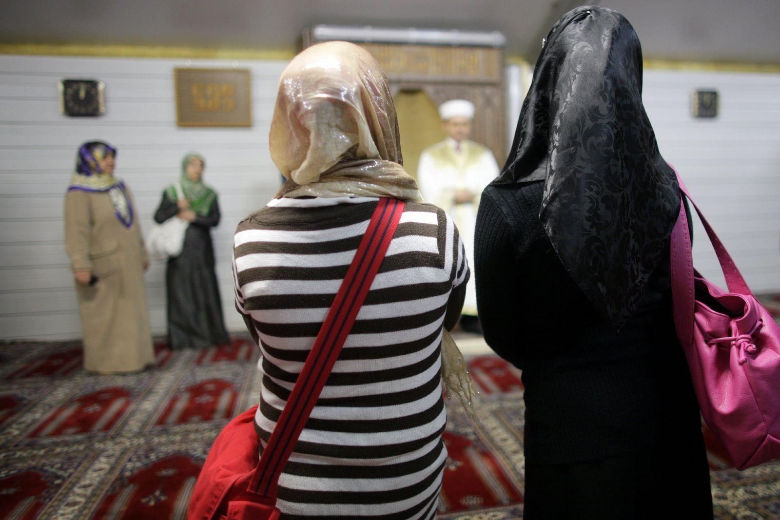 Moschee/ Kopftuch