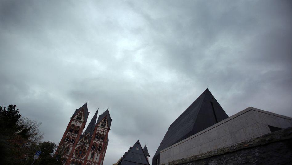 Limburger Bischofhaus: Noch kein Tebartz-Nachfolger bestimmt