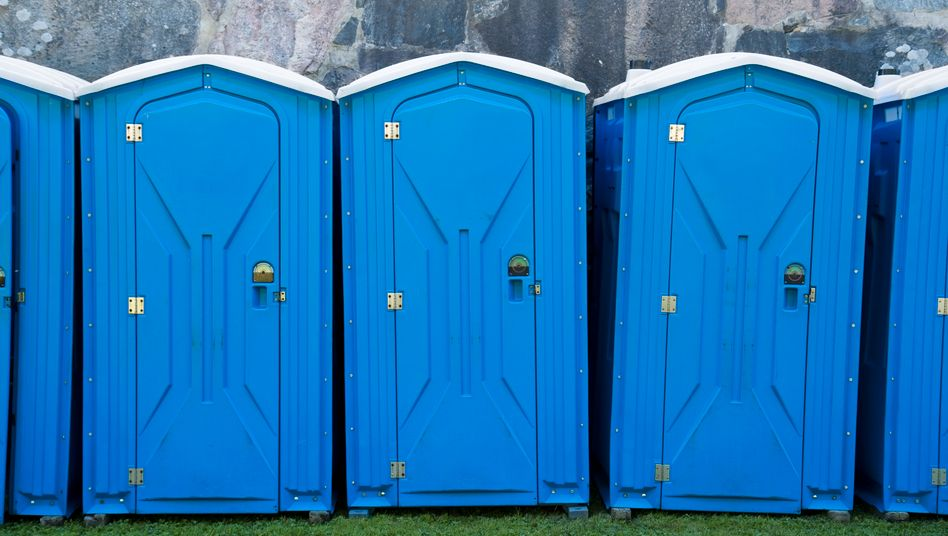 Mobile Toilettenkabinen (Symbolbild): Das Phänomen ist nicht auf Festivals beschränkt.