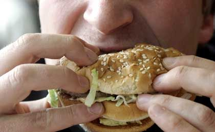 The report found that a higher percentage of soldiers is overweight than comparable civilians.