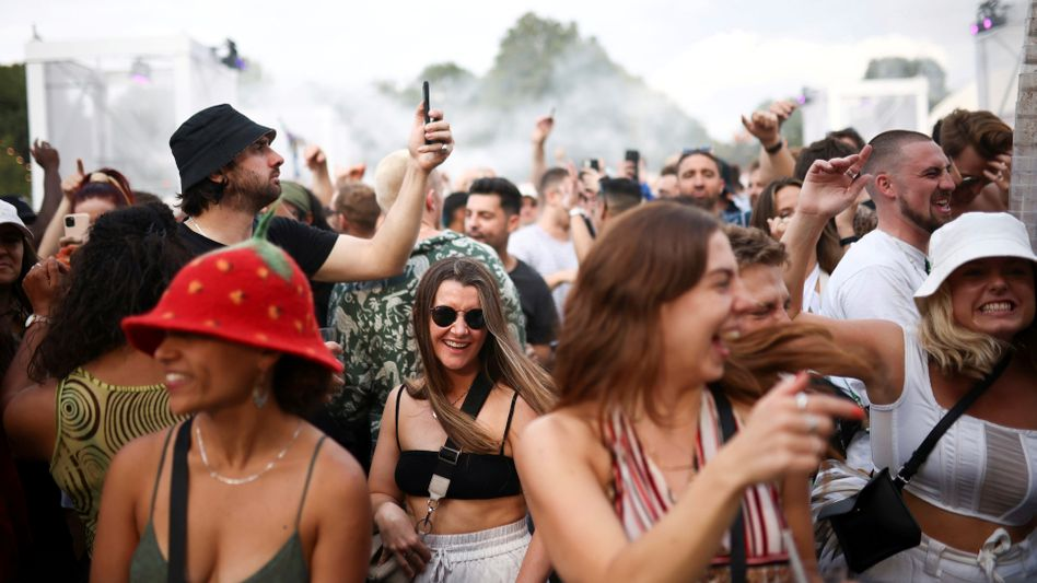 Festival in Süd-London: Premier Johnson setzt auf eine lockere Coronapolitik