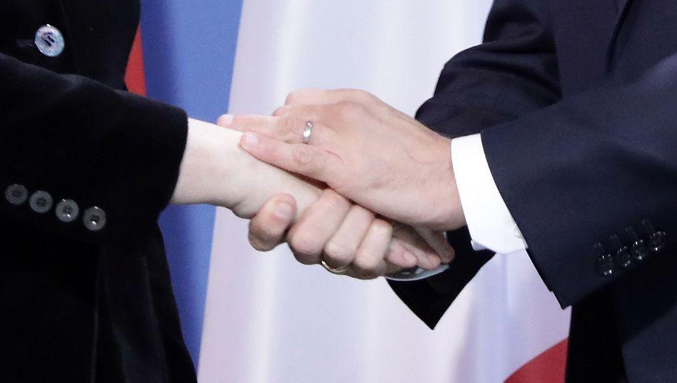 Kanzlerin Merkel (links) und Präsident Macron
