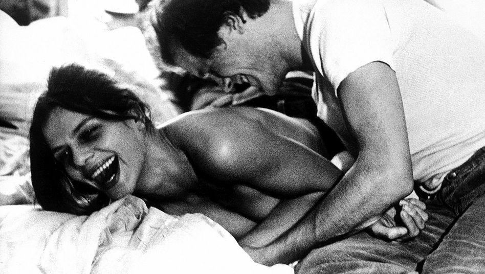 Grischa Huber mit Filmpartner Heinrich Giskes in »Unter dem Pflaster ist der Strand« (1974)