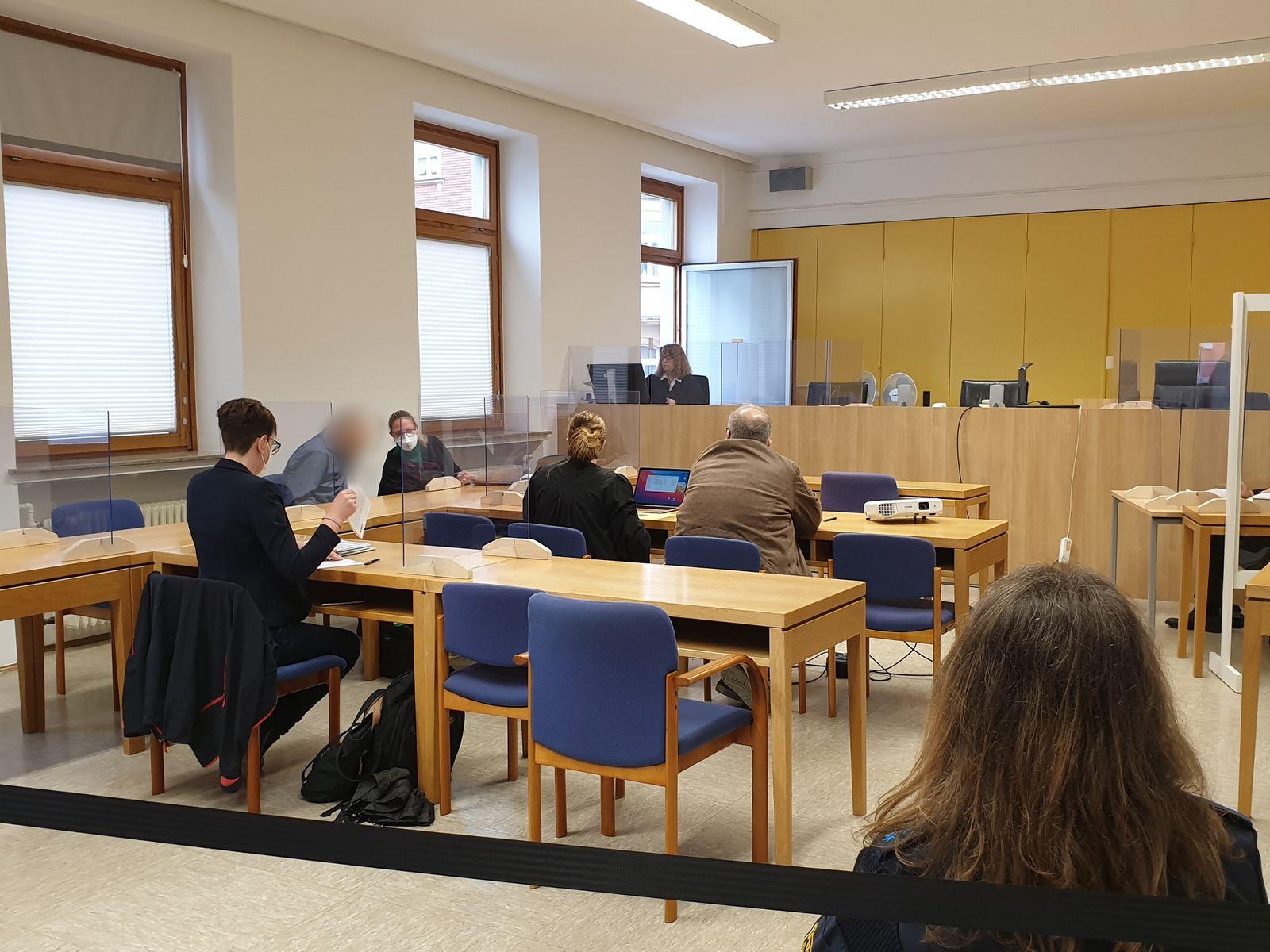 Mann wegen schweren Kindesmissbrauchs vor Gericht