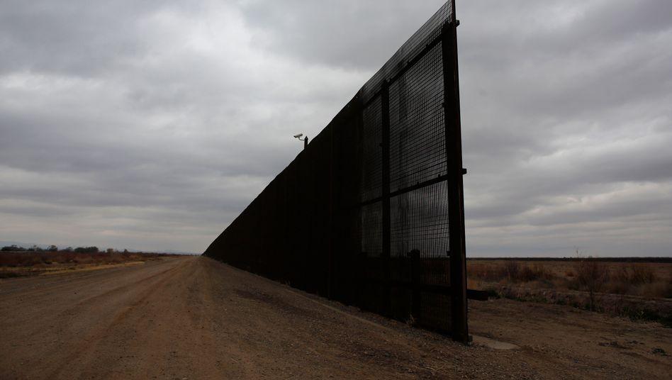 Zaun an der Grenze von den USA zu Mexiko