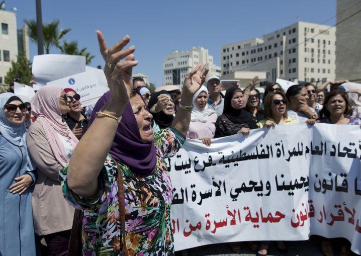 Demonstration in Ramallah: Frauen machen Druck auf die Autonomiebehörde
