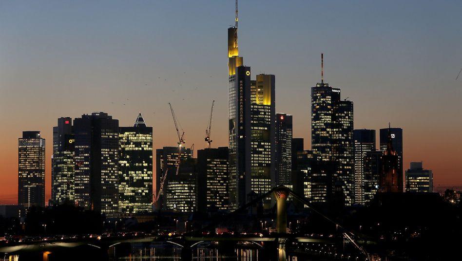 Banken-Skyline in Frankfurt am Main: Einzeltäter oder eine kriminelle Organisation?