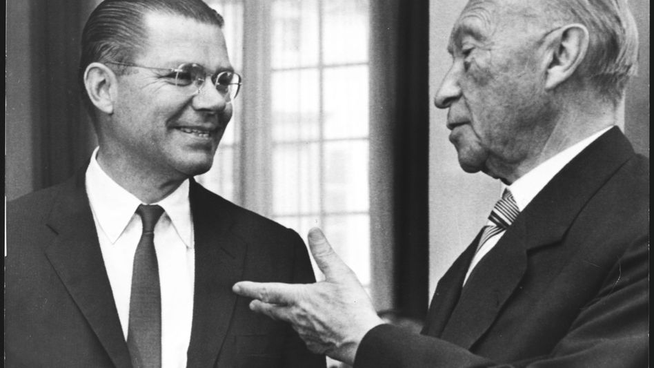Robert McNamara mit Kanzler Konrad Adenauer 1963