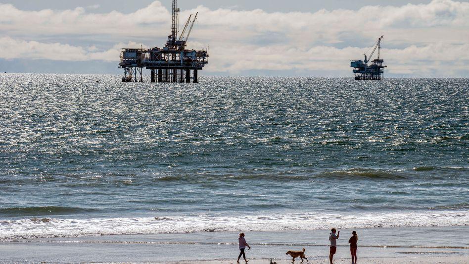 Offshore-Plattformen vor der kalifornischen Küste: Erdöl verteuert sich besonders stark
