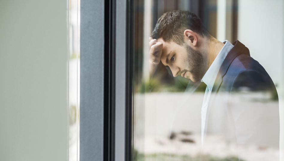 Laut WHO kann chronischer Stress am Arbeitsplatz ein Burn-out auslösen