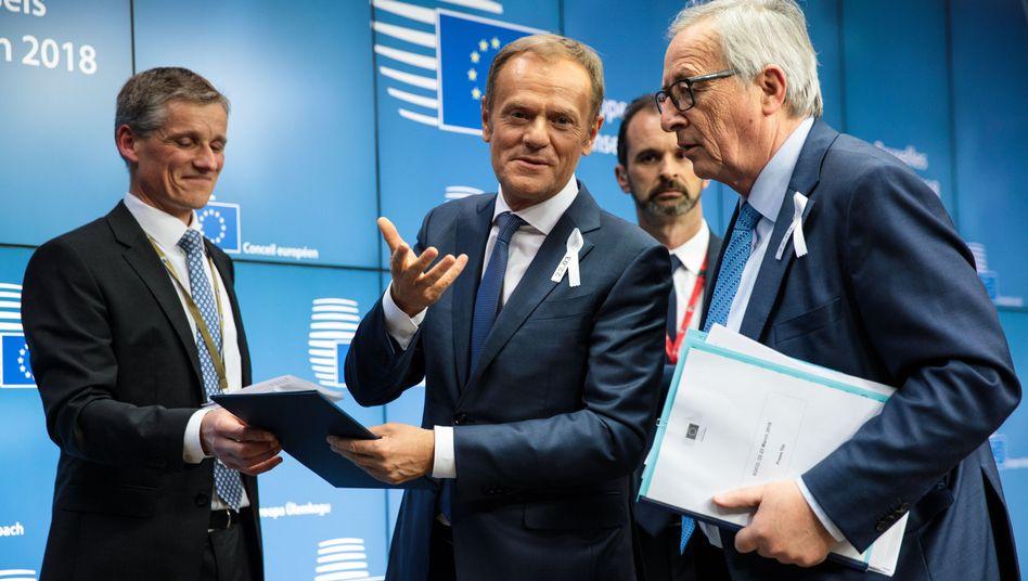 EU-Ratspräsident Donald Tusk (l.) und Kommissionschef Jean-Claude Juncker