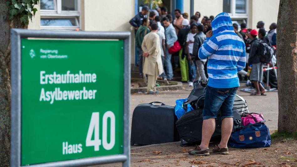 Flüchtlinge in München (Archivbild): Propaganda von Rechtsextremisten
