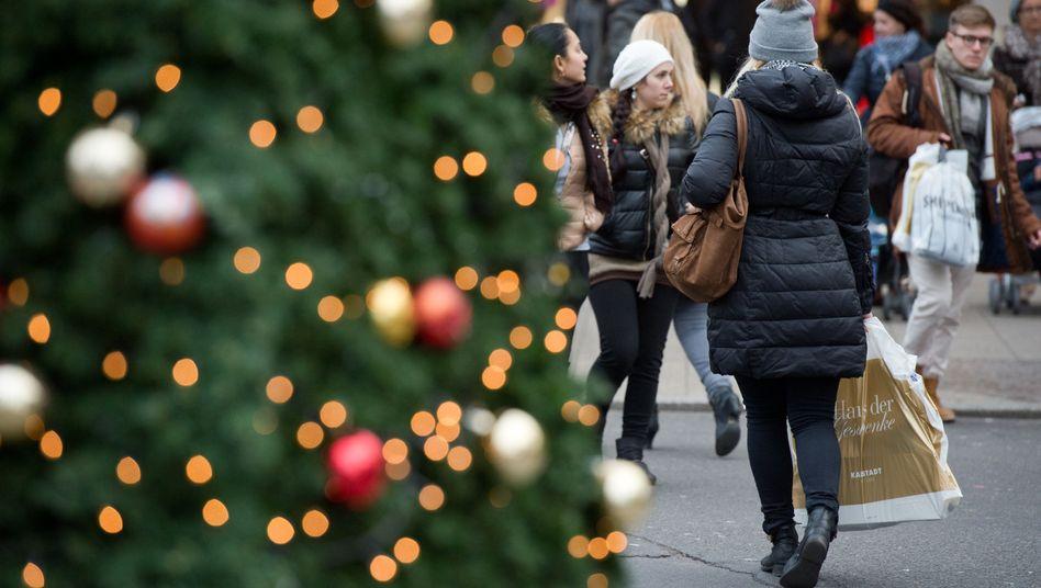 Weihnachtsshopping in Berlin (Archivbild)