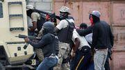 Protestierende Polizisten attackieren Hauptquartier der Armee