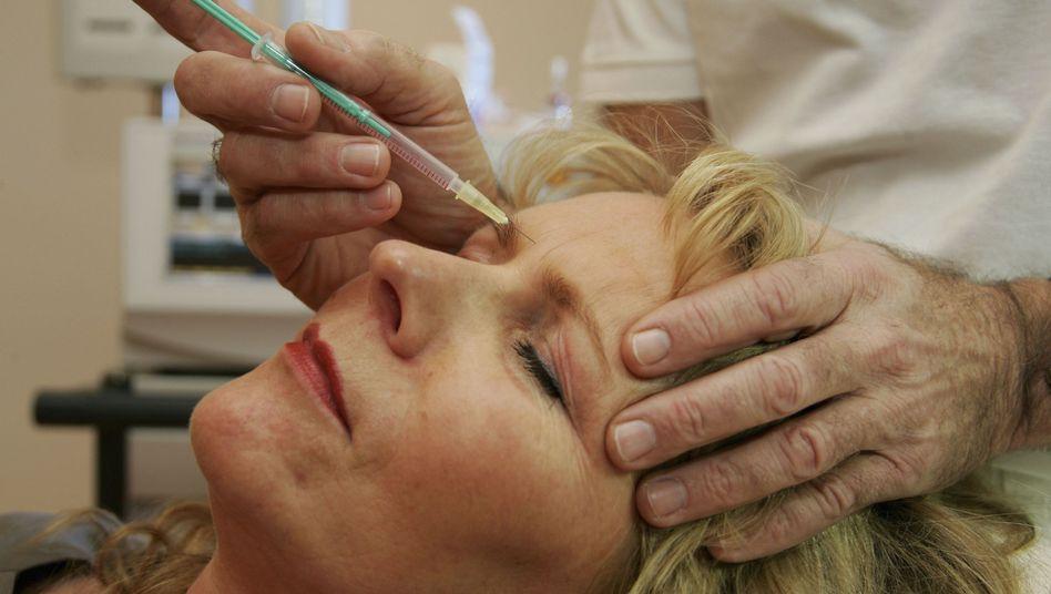 Botox-Injektion in Berlin (Archivbild): Geschäft mit der ewigen Jugend