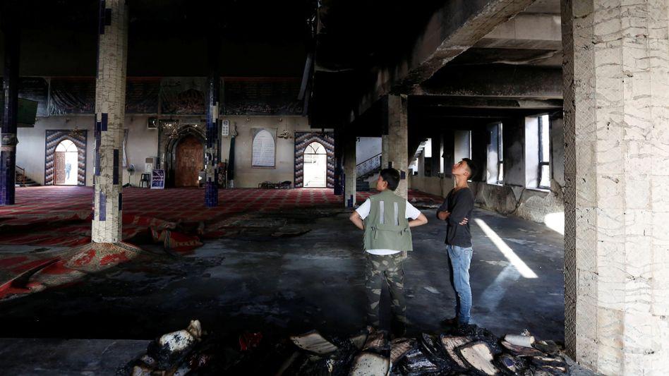 Heute wurde die Imam-Saman-Moschee in Kabul erneut Anschlagsziel (Foto nach einem Attentat von Ende August)