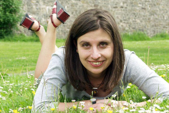 Die Blumen im Vordergrund rücken den Betrachter näher ins Bild