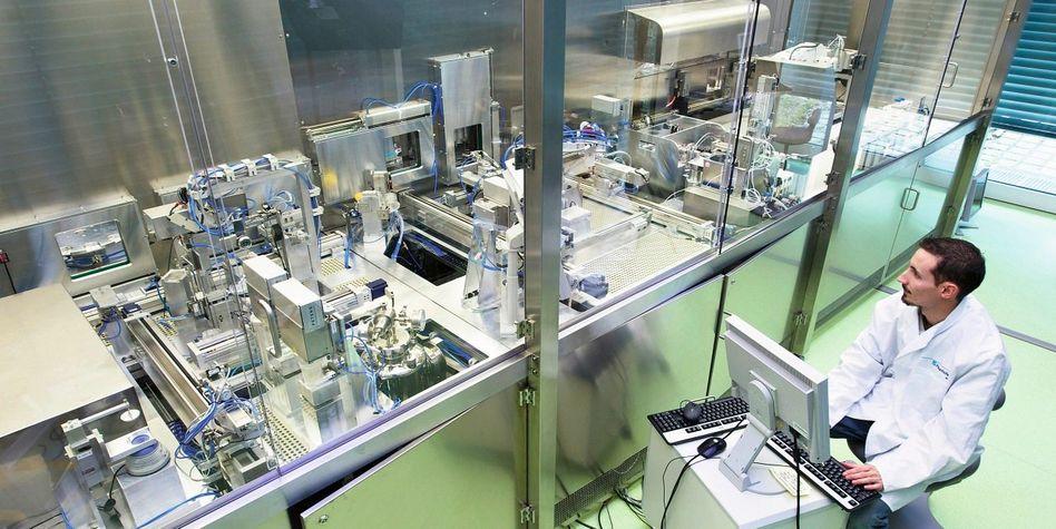 Hautfabrik am Stuttgarter Fraunhofer-Institut: Auch Brauntöne sind lieferbar