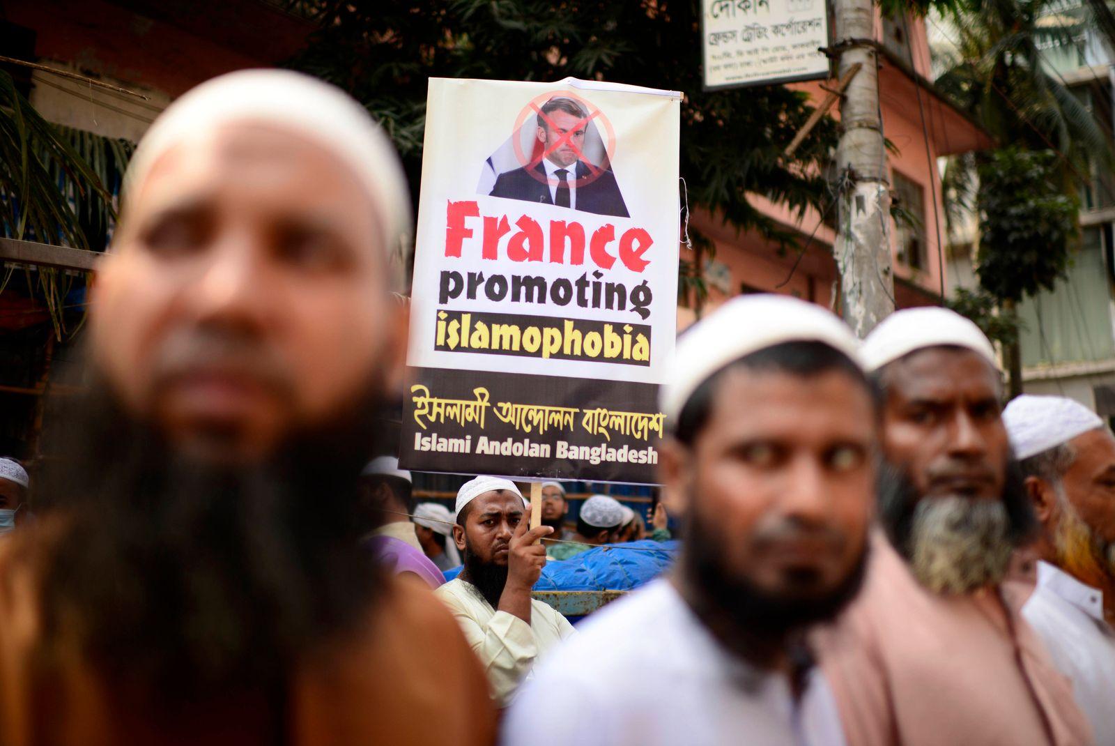 Bangladesh France Protest