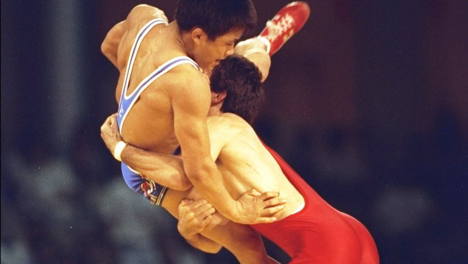 Ringer Jordanov (r.): Goldmedaille zurückgegeben