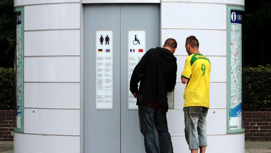 Toiletten-Häuschen: Oft kommt nur rein, wer zahlt
