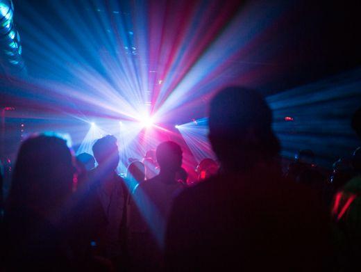 Sehnsucht nach Techno: In Berlin öffnen einige Klubs für ein Wochenende (Symbolbild)