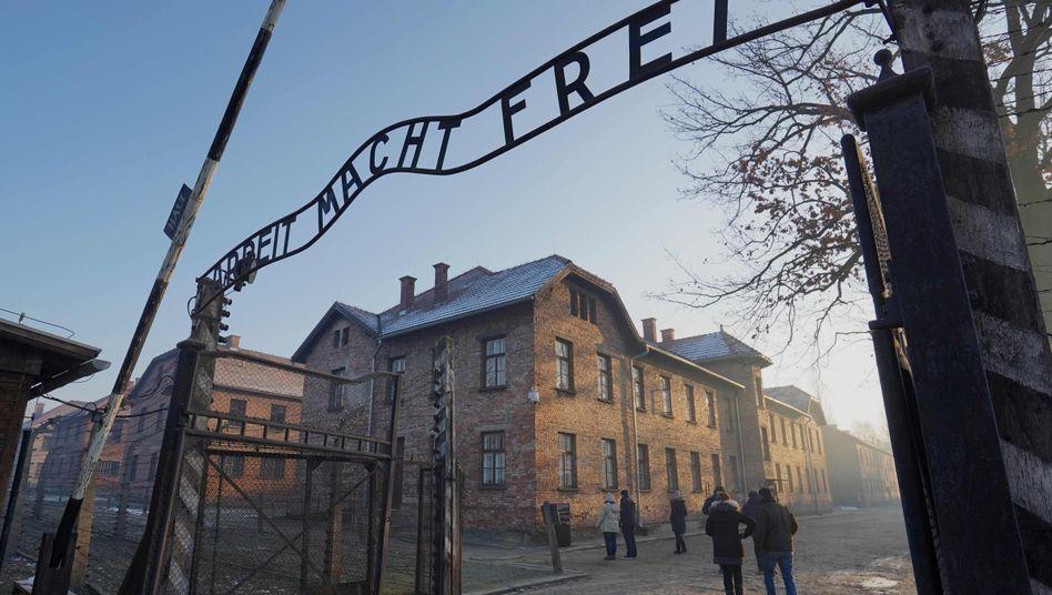 Eingang zum ehemaligen Konzentrations- und Vernichtungslager Auschwitz: Laut einerUmfrage war ungefähr jeder fünfte Deutsche schon einmal dort