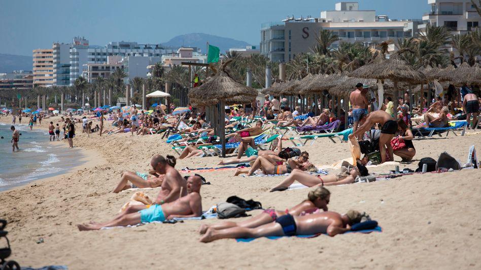 Urlauber auf Mallorca: Die Ausgangssperre ist Geschichte