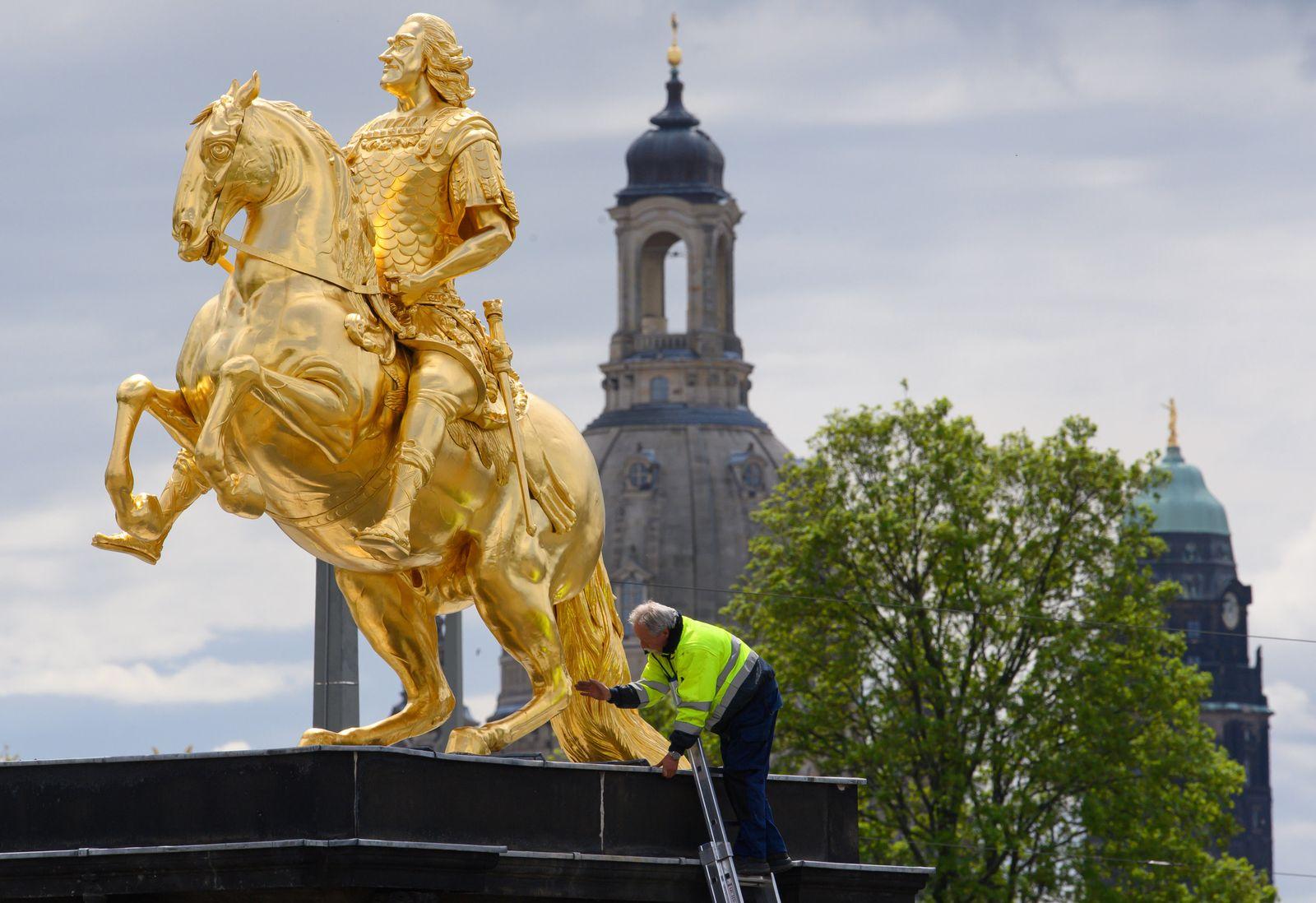 Dresdens Goldenen Reiter beschädigt