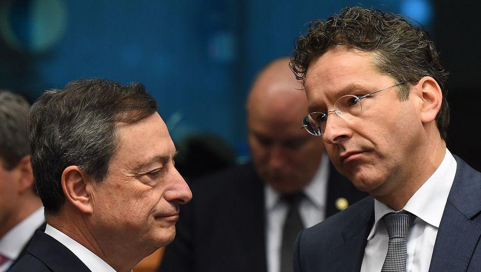 Genervt, gelangweilt, jedenfalls mit der Geduld am Ende: Mario Draghi und Jeroen Dijsselbloem
