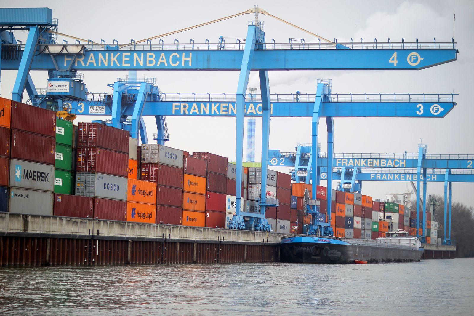 Container Terminal in Mainz / Handel Russland / Import / Export