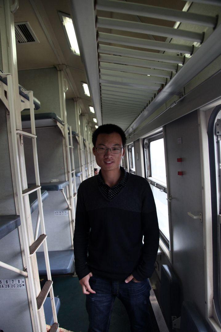 """Student Jianbin aus Shimezi: """"An Straßenständen musst du vorsichtig sein"""", rät er."""