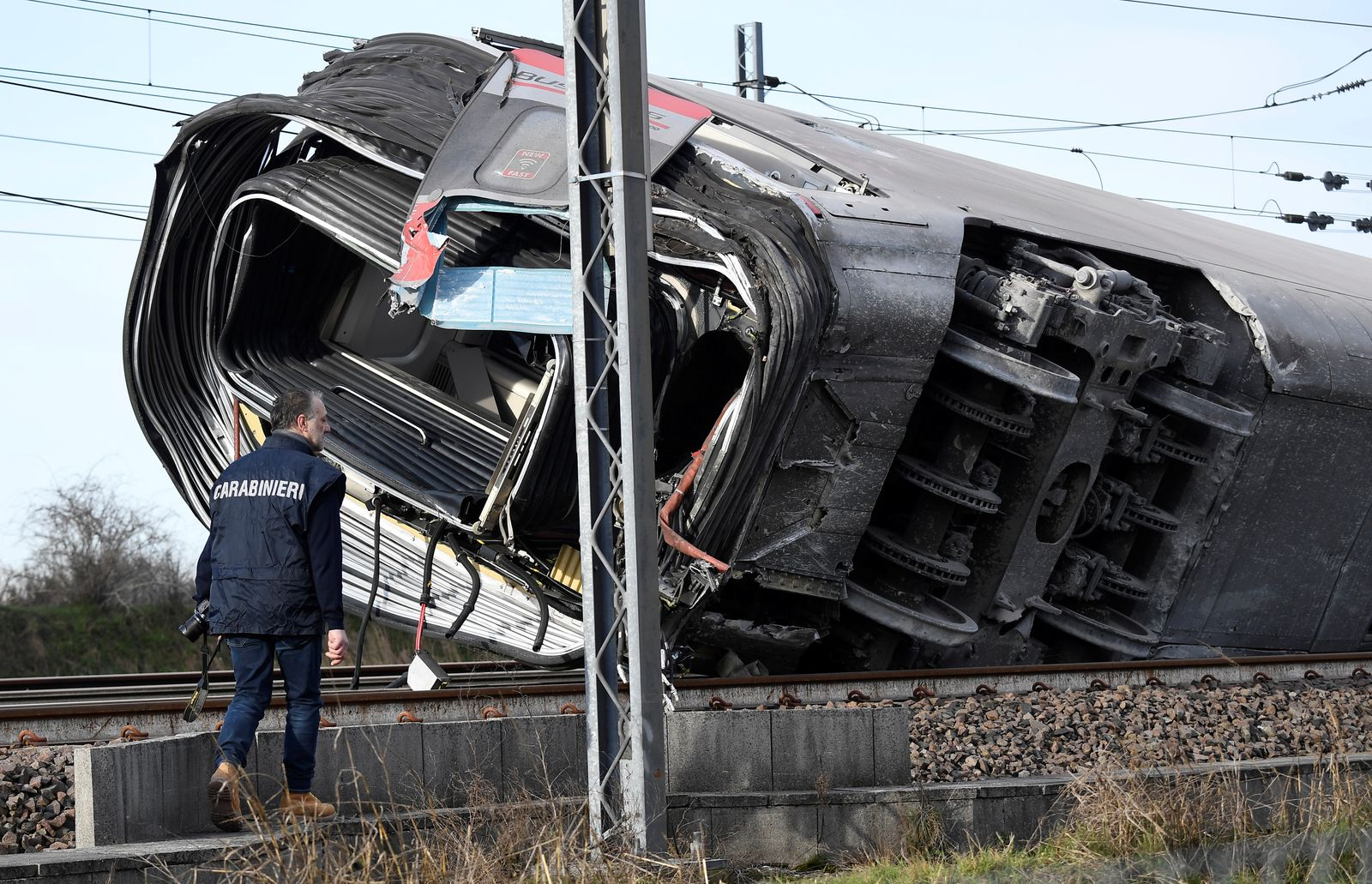 High speed train derails near Lodi