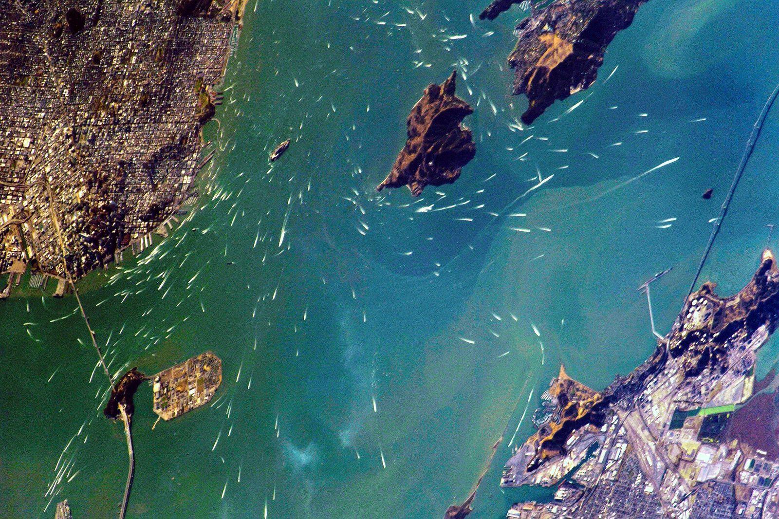 EINMALIGE VERWENDUNG Satellitenbild/ KW 43/ San Francisco