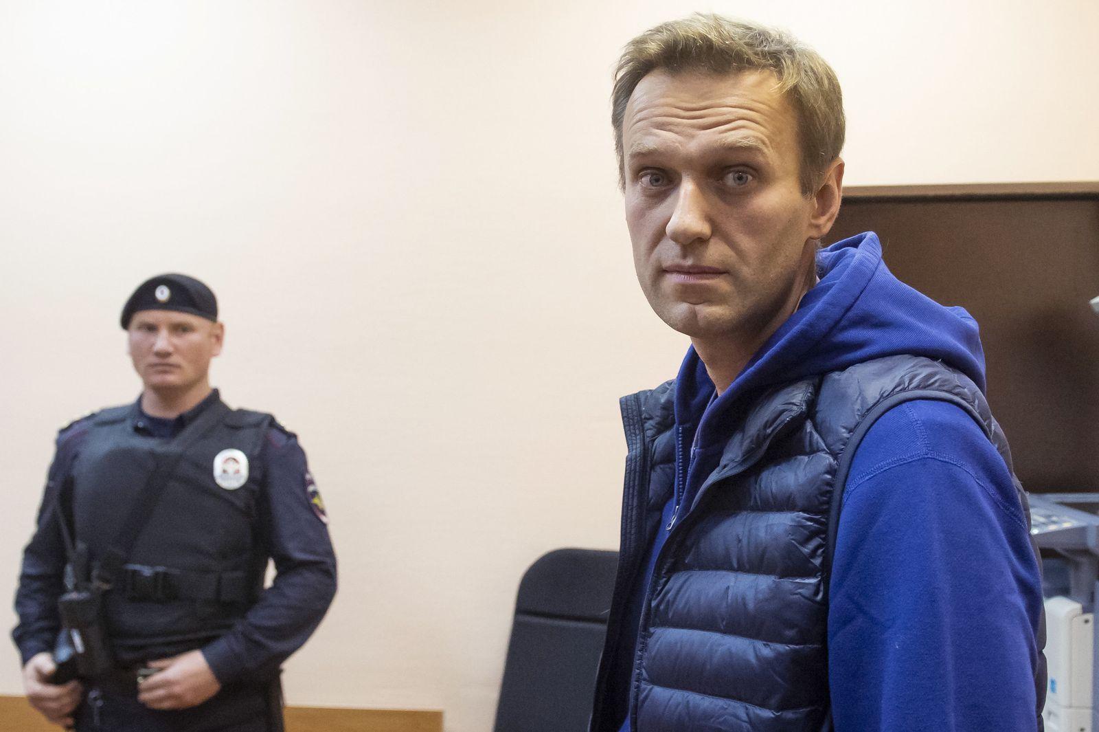 Kremlkritiker Nawalny entlassen und gleich festgenommen