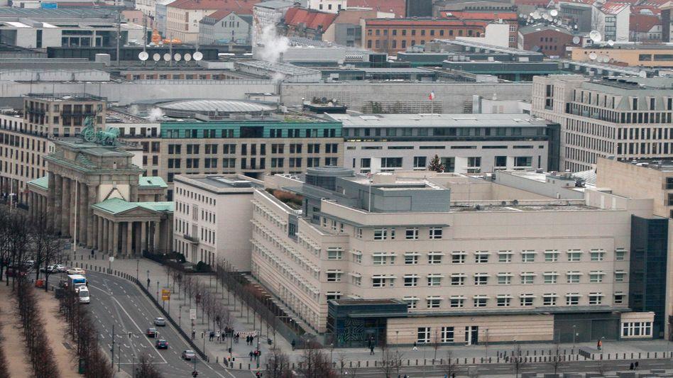 US-Botschaft in Berlin: Haben Sie da oben wenigstens eine Toilette?