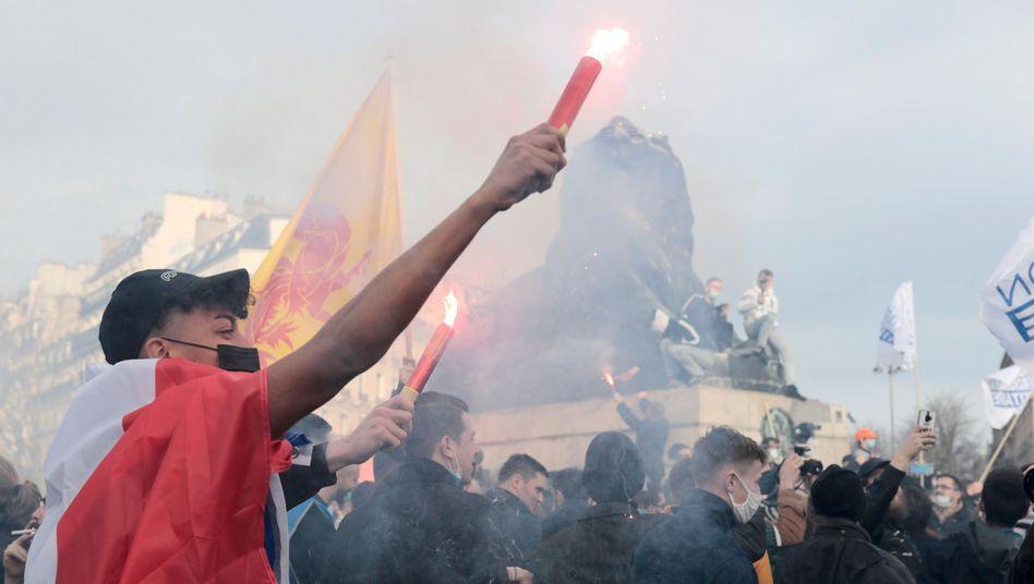 Identitäre demonstrieren in Paris gegen das Verbot der Gruppierung »Génération identitaire«