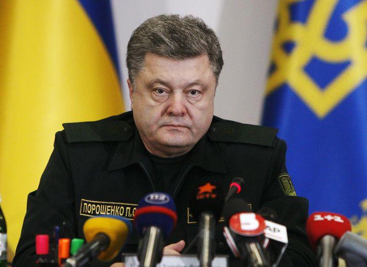 Müder Präsident: Poroschenko habe allen ukrainischen Verbänden die Anweisung gegeben, das Feuer einzustellen