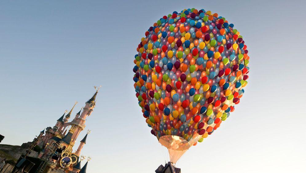 Photo Gallery: Euro Disney on the Ropes