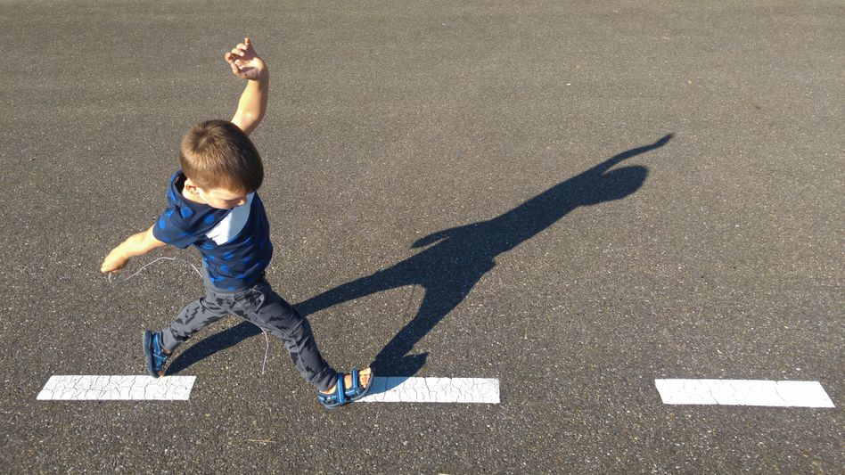 Spielendes Kind (Symbolbild): Bedarfsorientiertes Sicherungssystem gefordert