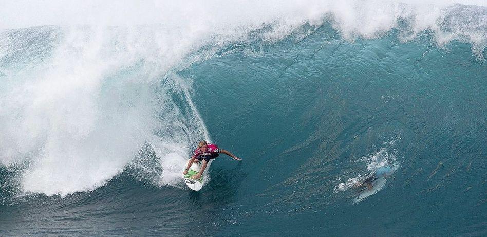 Surfer Florence vor Oahu