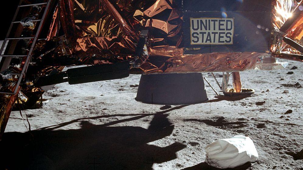 Mond-Verschwörungstheorien: Wer filmte Armstrongs ersten Schritt?