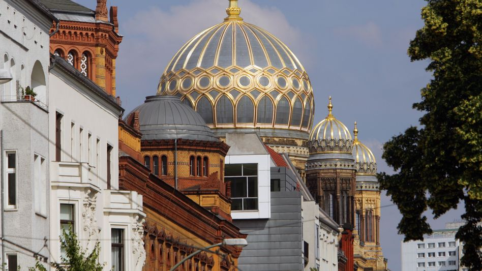 Kuppel der Synagoge in Berlin: Lage der Gemeinde stark angespannt