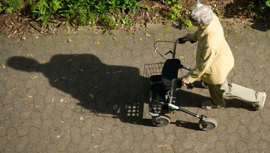 Rentnerin: Knapp 171.000 sozialversicherungspflichtig Beschäftigte über 65