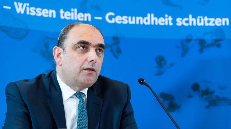 """RKI-Vizepräsident Lars Schaade: """"Kontaktsperren und Abstandsregeln müssen eingehalten werden"""""""
