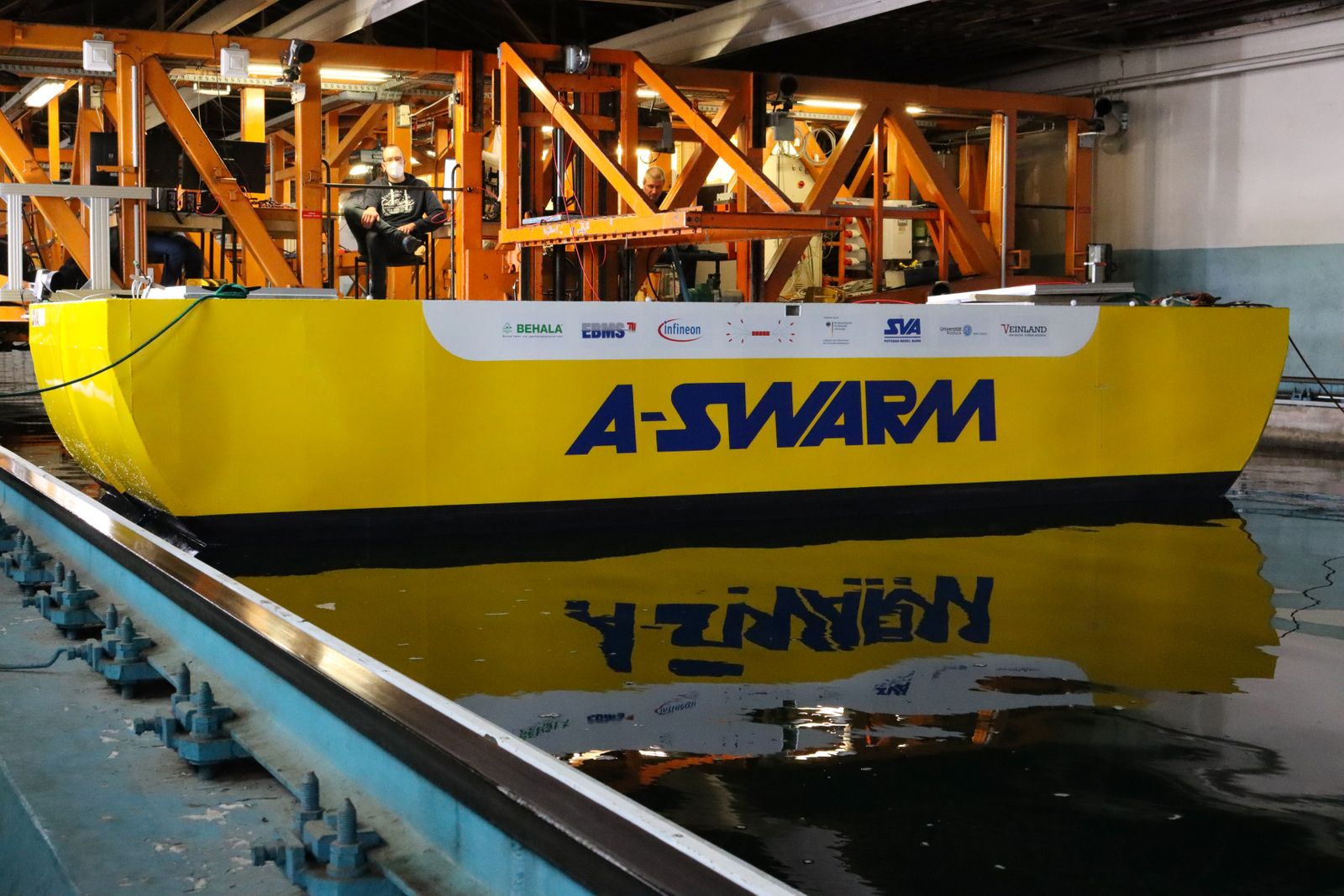 """""""A-SWARM""""-Prototyp in der Schlepprinne der """"Schiffbau-Versuchsanstalt Potsdam"""""""