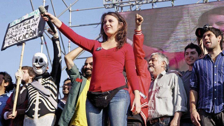 Vallejo bei einer Demonstration in Santiago