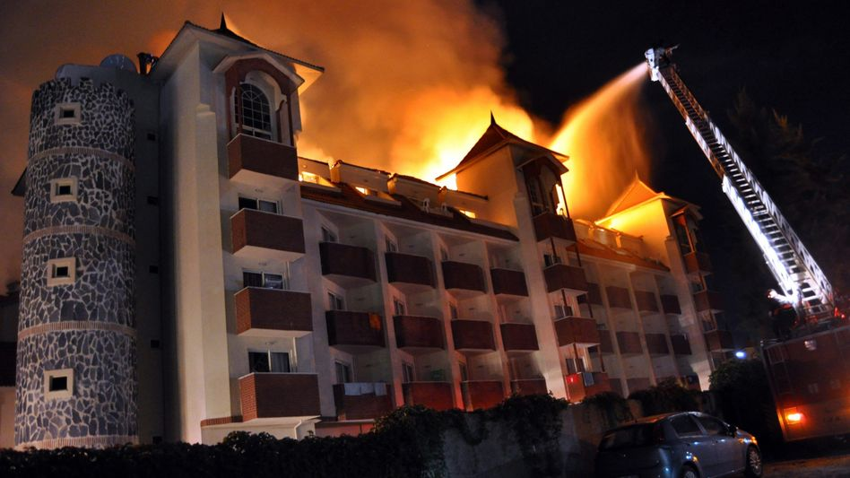 Hotel Side Aqua Beach in Flammen: 612 Touristen mussten flüchten