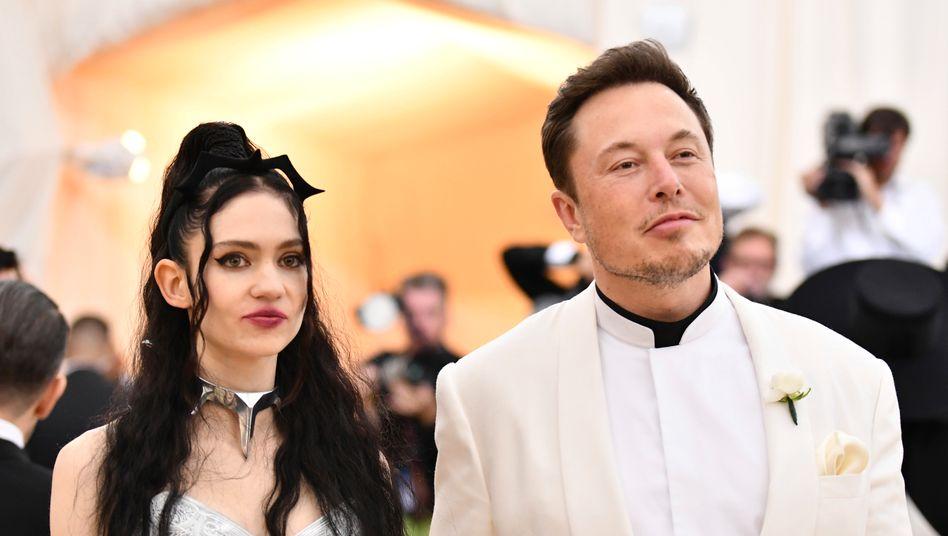 Elon Musk und Grimes im Mai 2018 in New York: Zahlen, bitte!