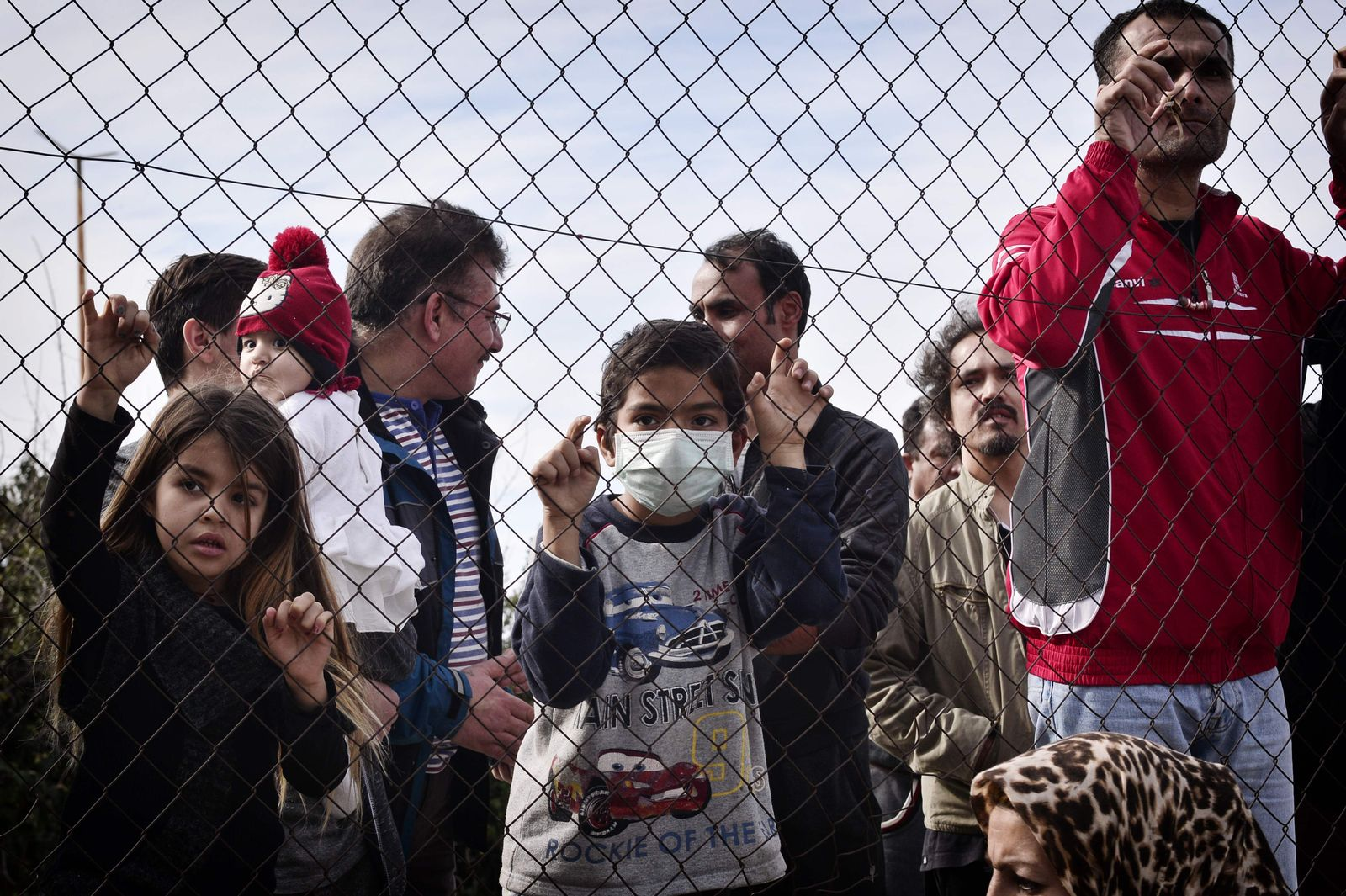 TOPSHOT-GREECE-EU-MIGRANT-AFGHANISTAN-PROTEST